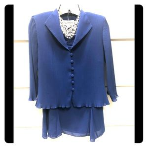 6p 2 pc cobalt blue skirt suit with details